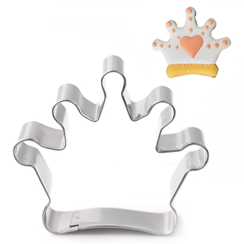 Cake Decorating Crown Cutter : Fondant Crown Pastry Decorating Baking Cutter Cookies Tool ...