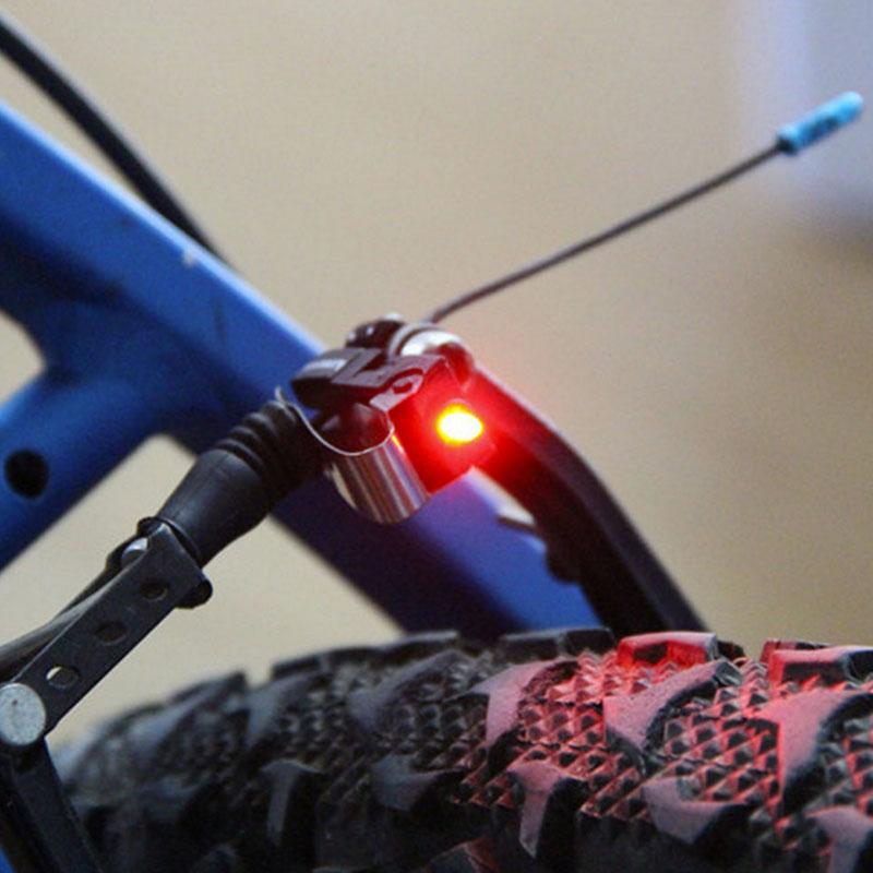 1x fahrrad bremslicht r cklicht led f r rennrad mountenbike beleuchtung ebay. Black Bedroom Furniture Sets. Home Design Ideas