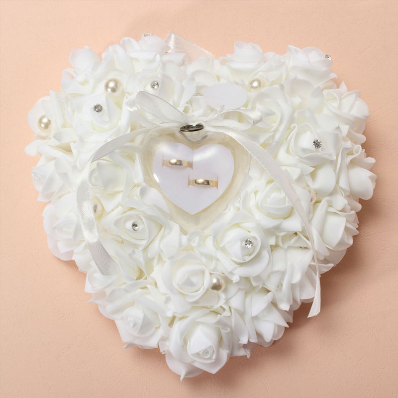 Romantic pearl rose wedding favors heart shaped flower for Heart shaped engagement ring box
